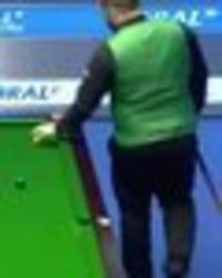 snooker fans unhappy as mark allen loses it during match - 'disgrace to the sport'