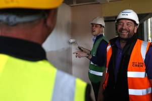 nick knowles and diy sos still need firms to help with cornwall build at carbis bay