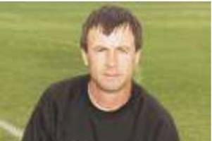 lincoln city pay tribute after death of former imps coach who played for norwich and scunthorpe and worked at nottingham forest