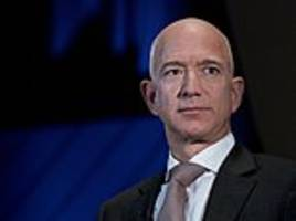 National Enquirer threatened to publish explicit nude photos of Jeff Bezos and his mistress