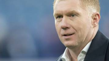 scholes cleared to manage oldham