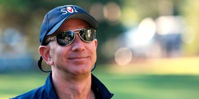 medium, the blog site jeff bezos used to attack the enquirer, won't say whether the post violated its rules — but it says bezos wont get paid a dime (amzn)