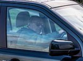 duke of edinburgh has voluntarily surrendered his driving licence