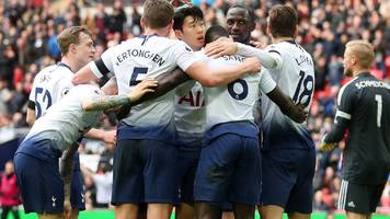 spurs beat leicester to maintain pursuit of leaders
