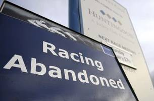 Horseracing to resume in Britain after equine flu contained