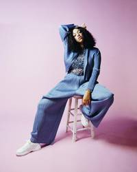 mahalia excels on slinky r&b jammer 'do not disturb'