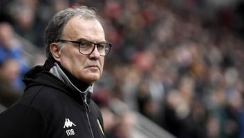 leeds manager marcelo bielsa is everton's top target if marco silva gets the axe