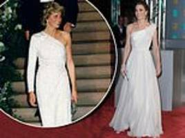 alice smellie on how the duchess followed in the footsteps of diana and the queen by daring to bare