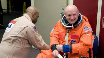 Retired NASA Astronaut Mark Kelly Announces US Senate Bid