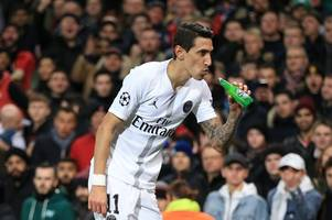 manchester united fans told to 'f*** off' by angel di maria
