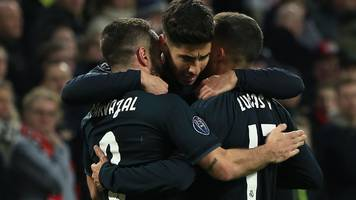 Real Madrid beat Ajax with help from first VAR consultation in Champions League
