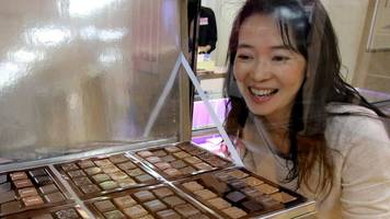 Valentine's Day: Japan falling out of love with 'obligation chocolates'