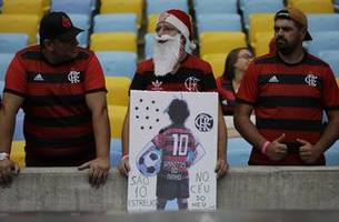Brazilian soccer fans pay tribute to Flamengo fire victims