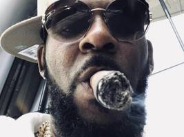 new r. kelly sex tape allegedly shows him having sex w/ underage girl