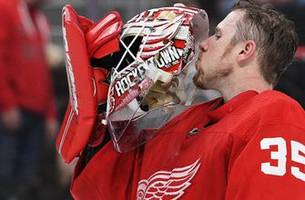 in his 500th game, jimmy howard backstops red wings to victory
