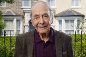 eastenders fans mourn dr legg after 'beautiful' and topical death