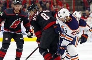Niederreiter scores twice as Hurricanes beat Oilers 3-1
