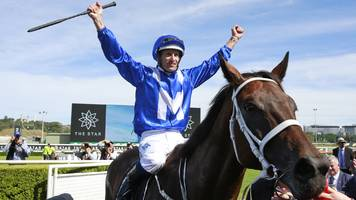 Winx: Australian mare wins 30th straight race in track record time at Randwick