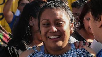 el salvador: woman jailed over stillbirth is freed from 30-year sentence