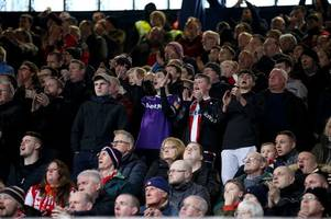 Ipswich Town fans applaud Stoke supporters' song for Gordon Banks as tributes continue