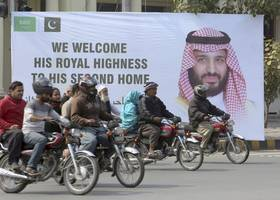 Saudi Crown Prince Pledges $20 Billion in Deals With Pakistan on the First Stop of ...