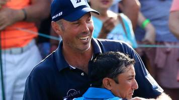 Matt Kuchar should have  paid his caddie the correct rate