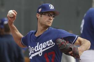 Reliever Joe Kelly settling in quickly with Dodgers