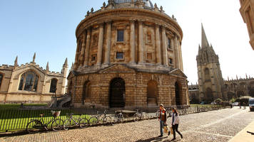 Oxford University to increase bursaries for low-income students