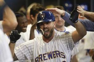 teammates thrilled for moustakas' return to brewers