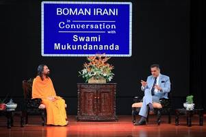Boman Irani and Swami Mukundananda Share Secrets of Success with College Youth