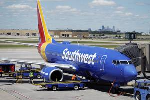 southwest has canceled hundreds of flights because of weather and maintenance issues — and passengers are furious (luv)