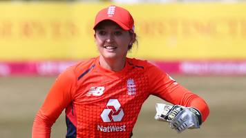 sarah taylor: england wicketkeeper ready to play odi series against india
