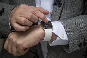 how to change the band on your apple watch