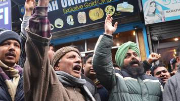 Pulwama attack: India government must protect Kashmiris - top court