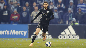 watch: sporting kc blasts toluca in first leg of concacaf champions league round of 16 match