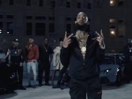 watch: nipsey hussle calls up gang-gang for new racks in the middle video