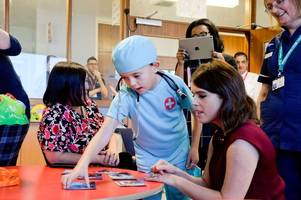 princess eugenie visits nottingham hospital to meet patients going through spinal surgery
