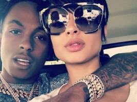 tori brixx shares more underwear baby bump pics w/ rich the kid