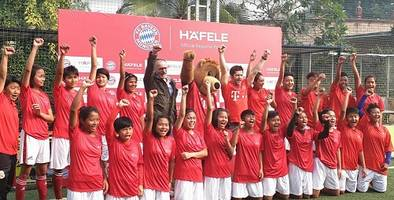 hafele brought f.c. bayern legend bixente lizarazu to indian football fans