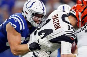 colts re-sign dt hunt, a veteran starter on a promising young defense