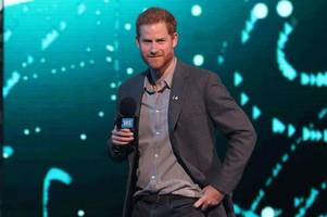 prince harry criticised after taking £6k helicopter two days before climate change speech