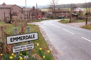 emmerdale's lisa dingle actress jane cox quits show after 20 years after character's terminal diagnosis