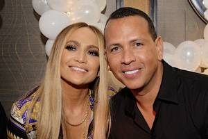 jlo 'said yes' to arod's proposal – and she gets a massive ring as a bonus (photo)