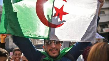 algeria protests continue after bouteflika drops fifth term bid