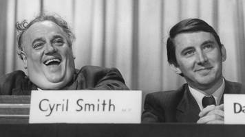 Liberal leader Lord Steel 'assumed' Cyril Smith was an abuser