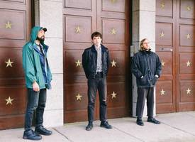 younghusband launch new album 'swimmers'