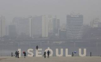south korea passes emergency measures to fight record levels of dust pollution