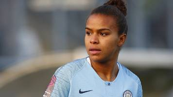 parris hat-tick sees leaders man city win seven-goal thriller at reading