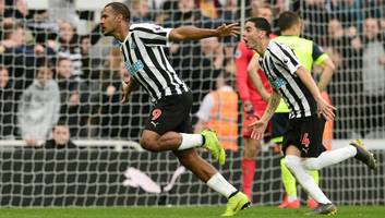 former newcastle striker micky quinn urges magpies to sign salomon rondon in 'no-brainer' deal