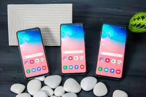 samsung already killed the notch with the galaxy s10 — now it's trying to design a 'perfect full-screen' phone